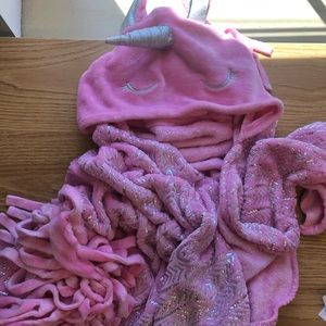 Justice hooded unicorn blanket